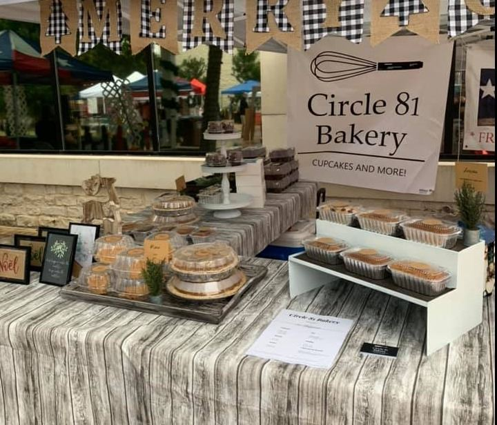 Circle 81 Bakery display at farmers market
